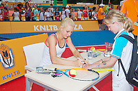 19-06-13, Netherlands, Rosmalen,  Autotron, Tennis, Topshelf Open 2013, , KNLTB Plaza, autograph session with Urszula Radwanska<br /> Photo: Henk Koster