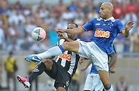 BELO HORIZONTE, MG, 3 FEVEREIRO 2013 - CAMPEONATO MINEIRO 2013 - CRUZEIRO x ATLETICO - Reabertura do Mineirao, um dos estadios para a Copa do Mundo 2014 e Copa das Confederacoes 2013 no Brasil. Na foto, disputa de bola entre, Bruno Rodrigo, do Cruzeiro e Alecsandro, do Atletico durante a partida valida pela 1 rodada do Campeonato Mineiro 2013, no Estadio Mineirao, em Belo Horizonte MG. (FOTO: DOUGLAS MAGNO / BRAZIL PHOTO PRESS).