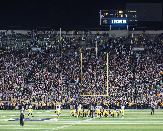 Sep. 6, 2014; The final play of the 2014 ND-Michigan football game. (Photo by Matt Cashore)
