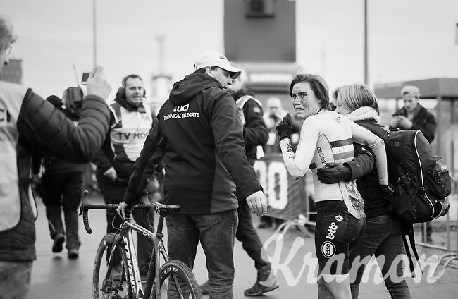 An emotional Sanne Cant (BEL) realises she just became the 2017 Women's UCI CX World Champion<br /> <br /> Women's Race<br /> UCI 2017 Cyclocross World Championships<br /> <br /> january 2017, Bieles/Luxemburg