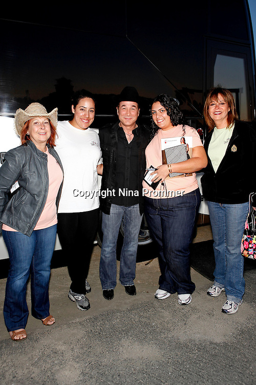 Rhythm on the vine charity event to benefit shriners children may 15 2010 clint black meet and greet just before he performed live at m4hsunfo