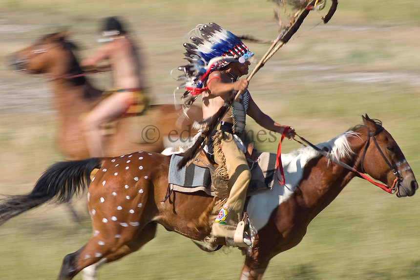 riding warrior chief on horse ed thomes photography