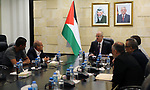 Palestinian Prime Minister, Rami Hamdallah, meets with a delegation from the Prisoners and Liberators Affairs Authority, in the West Bank city of Ramallah, on August 13, 2018. Photo by Prime Minister Office