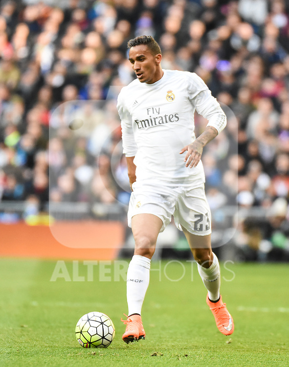 Real Madrid´s Danilo during 2015/16 La Liga match between Real Madrid and Atletico de Madrid at Santiago Bernabeu stadium in Madrid, Spain. February 27, 2016. (ALTERPHOTOS/Javier Comos)
