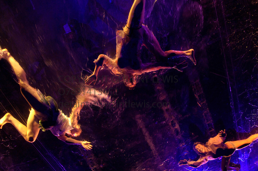Fuerzabruta from the creators of DeLa Guarda .Opens at the Roundhouse Theatre on 1/6/06. CREDIT Geraint Lewis