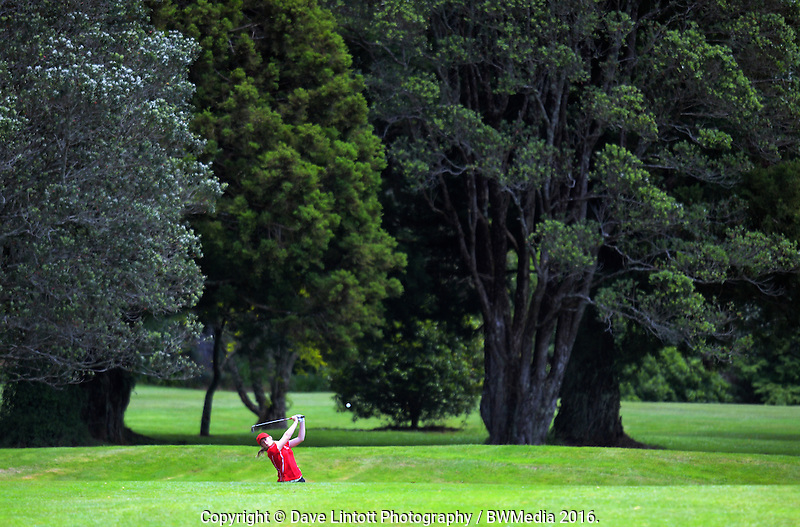Amelia Garvey (Canterbury). 2016 Toro Women's Interprovincial Golf Championship at Westown Golf Club in New Plymouth, New Zealand on Friday, 9 December 2016. Photo: Dave Lintott / lintottphoto.co.nz