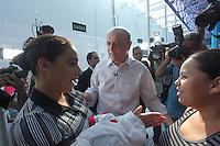 SAO PAULO, SP, 27 DE AGOSTO DE 2012. ELEICÃO 2012 - JOSE SERRA. O candidato do PSDB a prefeitura de Sao Paulo, José Serra, durante visita à  unidade do Poupatempo no bairro da Lapa, Zona Oeste de São Paulo, na tarde desta segunda feira. FOTO: ADRIANA SPACA - BRAZIL PHOTO PRESS