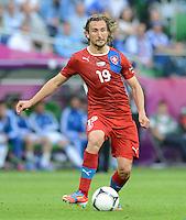 FUSSBALL  EUROPAMEISTERSCHAFT 2012   VORRUNDE Griechenland - Tschechien         12.06.2012 Petr Jiracek (Tschechische Republik) Einzelaktion am Ball