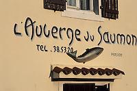 """Europe/France/Aquitaine/64/Pyrénées-Atlantiques/Env de Sauveterre: Détail de l'enseigne de """"l'Auberge du saumon"""""""