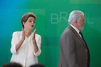 BRASILIA, DF, 19.11.2015 - DILMA-NEGROS-  A presidente Dilma Roussef e o ministro da Casa Civil, Jaques Wagner,  durante a cerimônia comemorativa do Dia Nacional da Consciência Negra, no Palácio do Planalto, nesta quinta-feira, 19.(Foto:Ed Ferreira / Brazil Photo Press/Folhapress)