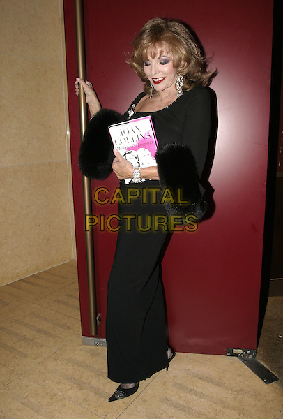 """JOAN COLLINS.Launch party for her new book, """"Misfortune's Daughters"""", Frankies, Yeoman's Row, London, .October 19th 2004..full length black fur stole wrap.Ref: AH.www.capitalpictures.com.sales@capitalpictures.com.©Capital Pictures."""