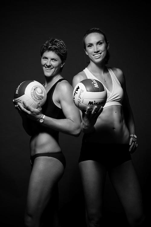 BEACH VOLLEYBALL, Natalie Cook, Tamsin Barnett