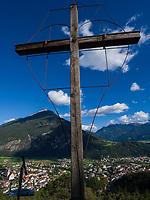 Wetterkreuz mit Blick auf Imst und Tschirgant, Tirol, &Ouml;sterreich, Europa<br /> Weather cross , view of Imst and Tschirgant, Tyrol, Austria, Europe