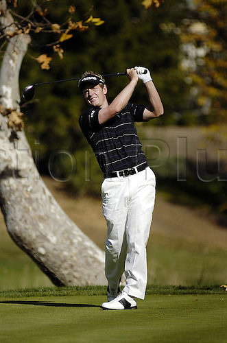11 December 2005: English golfer Luke Donald (ENG) looks into the distance after playing from the tee during the final round of The 2005 Target World Challenge at the Sherwood Country Club in Thousand Oaks, California. Donald won the tournament by 2 shots, finishing at 16 under par. Photo: Darryl Dennis/actionplus..051211 man men golf player