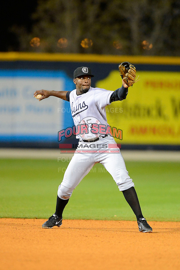 Jacksonville Suns shortstop Audy Ciriaco #15 during a game against the Pensacola Blue Wahoos on April 15, 2013 at Pensacola Bayfront Stadium in Pensacola, Florida.  Jacksonville defeated Pensacola 1-0 in 11 innings.  (Mike Janes/Four Seam Images)