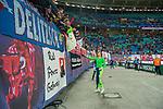 07.10.2018, Red Bull Arena, Leipzig, GER, 1. FBL 2018/2019, RB Leipzig vs. 1. FC N&uuml;rnberg/Nuernberg,<br /> <br /> DFL REGULATIONS PROHIBIT ANY USE OF PHOTOGRAPHS AS IMAGE SEQUENCES AND/OR QUASI-VIDEO.<br /> <br /> im Bild<br /> <br /> <br /> Jubel der Spieler von RB Leipzig nach dem 6:0 Erfolg<br /> <br /> Torhueter Peter Gulacsi (#32, RB Leipzig) &uuml;bergibt sein Trikot an die Fans<br /> <br /> Foto &copy; nordphoto / Dostmann