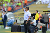MEDELLÍN -COLOMBIA-22-MAYO-2016.Alexis Garcia director técnico  de Santa Fe en acción  durante partido contra Nacional por la fecha 19 de Liga Águila I 2016 jugado en el estadio Atanasio Girardot ./ Alexis Garcia coach   of Santa Fe in actions  during match against Nacional during the match for the date 19 of the Aguila League I 2016 played at Atanasio Girardot  stadium in Medellin . Photo: VizzorImage / León Monsalve  / Contribuidor