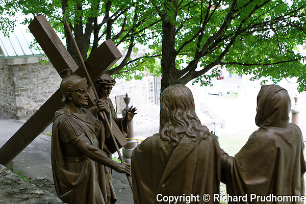 Stations of the cross, Jesus meets his afflicted mother