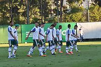 SAO PAULO, 05 DE JUNHO DE 2013 - TREINO PALMEIRAS - Jogadores durante treino do Palmeiras no CT da Barra Funda, na tarde desta quarta feira, 05, região oeste da capital. (FOTO: ALEXANDRE MOREIRA / BRAZIL PHOTO PRESS)