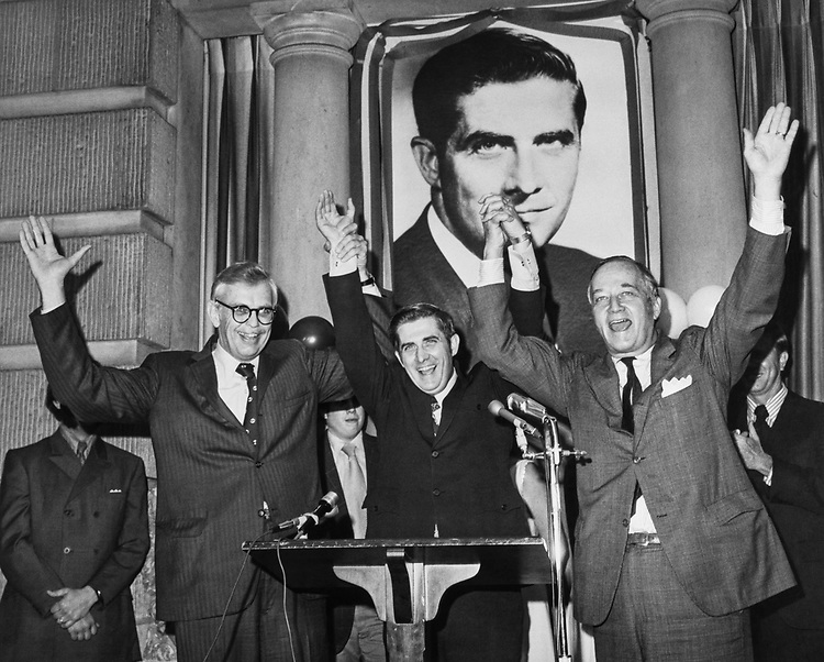 Rep. Lawrence Hogan, R-Md. with party members in 1972. (Photo by CQ Roll Call)