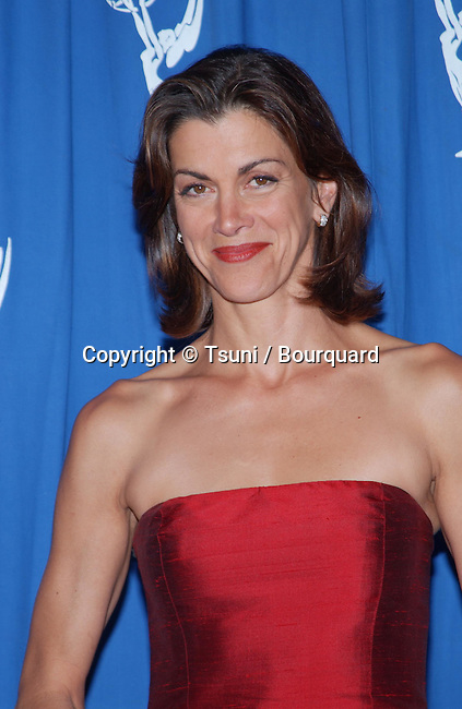 Wendie Malick backstage at the 2001 Creative Arts Emmy Awards at the Pasadena Civic Auditorium in Los Angeles Saturday, Sept. 8, 2001. Photo by © Tsuni          -            MalickWendie01.jpg