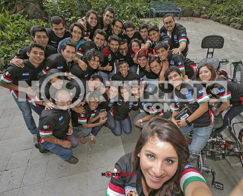 Tec Mty campus CUERNAVACA  .<br /> Estidiantes del equipo de Telemetr&iacute;a TecMonterrey campus Cuernavaca...<br /> Credito:PatriciaMorales/nortephoto.com