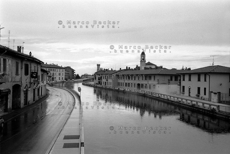 Veduta di Gaggiano, paese lungo il Naviglio Grande a ovest di Milano --- View of Gaggiano, small village along the Naviglio Grande channel west of Milan