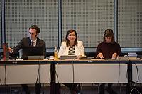 4. Sitzung des 2. Untersuchungsausschusses <br /> der 18. Wahlperiode des Berliner Abgeordnetenhaus - &quot;BER II&quot; - am Freitag den 12. Oktober 2018.<br /> Der Ausschuss soll die Ursachen, Konsequenzen und Verantwortung fuer die Kosten- und Terminueberschreitungen des im Bau befindlichen Flughafens &quot;Berlin Brandenburg Willy Brandt&quot; aufklaeren.<br /> Als oeffentlicher Tagesordnungspunkt war die Beweiserhebung durch Vernehmung des Zeugen  BER-Chef Prof. Dr.-Ing. Engelbert Luetke Daldrup vorgesehen.<br /> Im Bild: Die Ausschussvorsitzende Melanie Kuehnemann-Grunow, SPD.<br /> 12.10.2018, Berlin<br /> Copyright: Christian-Ditsch.de<br /> [Inhaltsveraendernde Manipulation des Fotos nur nach ausdruecklicher Genehmigung des Fotografen. Vereinbarungen ueber Abtretung von Persoenlichkeitsrechten/Model Release der abgebildeten Person/Personen liegen nicht vor. NO MODEL RELEASE! Nur fuer Redaktionelle Zwecke. Don't publish without copyright Christian-Ditsch.de, Veroeffentlichung nur mit Fotografennennung, sowie gegen Honorar, MwSt. und Beleg. Konto: I N G - D i B a, IBAN DE58500105175400192269, BIC INGDDEFFXXX, Kontakt: post@christian-ditsch.de<br /> Bei der Bearbeitung der Dateiinformationen darf die Urheberkennzeichnung in den EXIF- und  IPTC-Daten nicht entfernt werden, diese sind in digitalen Medien nach &sect;95c UrhG rechtlich geschuetzt. Der Urhebervermerk wird gemaess &sect;13 UrhG verlangt.]