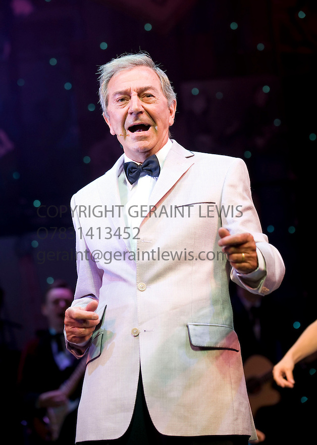 Dreamcoats and Petticoats by Laurence Marks and Maurice Gran. With Des O'Connor as Older Bobbie. Performing at The Playhouse Theatre  . CREDIT Geraint Lewis