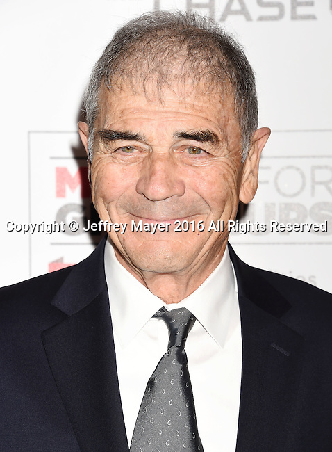 BEVERLY HILLS, CA - FEBRUARY 08: Actor Robert Forster attends AARP's Movie For GrownUps Awards at the Regent Beverly Wilshire Four Seasons Hotel on February 8, 2016 in Beverly Hills, California.