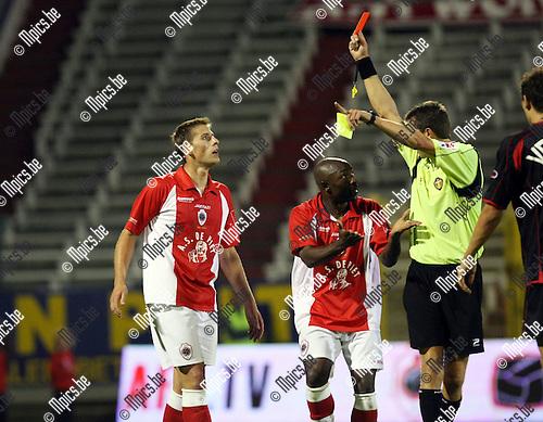 2009-08-29 / Voetbal / seizoen 2009-2010 / Antwerp FC - FC Brussels / Kevin Oris liep tegen een rode kaart aan..Foto: Maarten Straetemans (SMB)