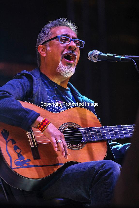 Querétaro, Qro. 17 de Noviembre de 2016.- David Filio durante su participación en el Trova Fest. Foto: Cesar Colunga.
