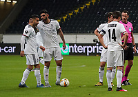 Samuele Campo (FC Basel) bekommt vor seinem Freistoßtor zum 0:1 Mut zugesprochen - 12.03.2020: Eintracht Frankfurt vs. FC Basel, UEFA Europa League, Achtelfinale, Commerzbank Arena<br /> DISCLAIMER: DFL regulations prohibit any use of photographs as image sequences and/or quasi-video.