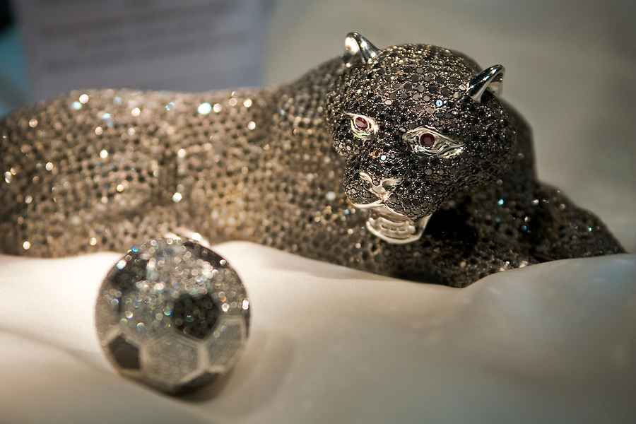 Moscow, Russia, 28/09/2005..The first Millionaire Fair in Moscow at the Crocus City Expo Centre attracted thousands of would-be and existing Russian millionaires to view and purchase a wide range of luxury goods. Panther made from gold, rubies and 4,348 black diamonds for $96,000..