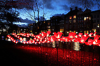 Amsterdam Light Festival. Lichtkunst in het centrum. Kunstwerk in het Wertheimpark: On the Wings of Freedom
