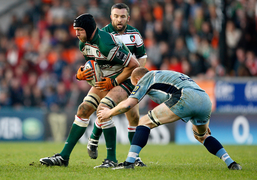 Photo: Richard Lane/Richard Lane Photography..Leicester Tigers v Cardiff Blues. EDF Energy Cup. 03/11/2007. .Tigers' Ben Kay attacks.