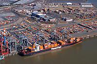 Containerhafen: EUROPA, DEUTSCHLAND, NIESDERSACHSEN, BREMERHAVEN, (EUROPE, GERMANY),09.09.2004: Bremerhaven, Container, Containerlager, Containerschiff, Containerterminal, CT, Deutschland, Erweiterung, Europa, Export, exportieren, Fahrzeuge, Fracht, Gewaesser, Globalisierung, Gueter, Gut, Hafen, Hafenanlagen, Hafenwirtschaft, Handel, IIIa, Import, importieren, Kai, Kaimauer, Konjunktur, Ladung, Lager, lagern, Logistik, Luftaufnahme, Luftbild, Hapag Lloyd,  Mobilitaet, Panorama, Schiffahrt, Schifffahrt, Schiffsladung, Sealand, Seefahrt, Totale, Transport, transportieren, Ueberblick, Uebersicht, Umschlag, Verladearbeiten, Verladefahrzeuge, Verladekraene, Verladung, verschiffen, Verschiffung, Warenumschlag, Wasser, Wassertransport, Weltwirtschaft, Weser, Wesermuendung, Wirtschaft, Aufwind-Luftbilder.c o p y r i g h t : A U F W I N D - L U F T B I L D E R . de.G e r t r u d - B a e u m e r - S t i e g 1 0 2, 2 1 0 3 5 H a m b u r g , G e r m a n y P h o n e + 4 9 (0) 1 7 1 - 6 8 6 6 0 6 9 E m a i l H w e i 1 @ a o l . c o m w w w . a u f w i n d - l u f t b i l d e r . d e.K o n t o : P o s t b a n k H a m b u r g .B l z : 2 0 0 1 0 0 2 0  K o n t o : 5 8 3 6 5 7 2 0 9.C o p y r i g h t n u r f u e r j o u r n a l i s t i s c h Z w e c k e, keine P e r s o e n l i c h ke i t s r e c h t e v o r h a n d e n, V e r o e f f e n t l i c h u n g n u r m i t H o n o r a r n a c h M F M, N a m e n s n e n n u n g u n d B e l e g e x e m p l a r !.