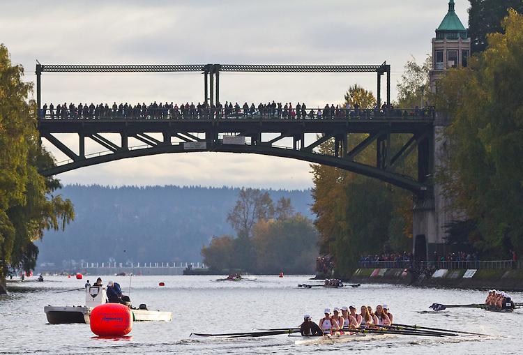 Rowing, Head of the Lake Regatta, November 2 2014, Seattle, University of Portland crew, Women's 3JV 8+, Washington State, Lake Washington Rowing Club, Lake Washington Ship Canal, Montlake Cut,