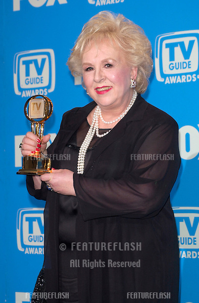 Everybody Loves Raymond star DORIS ROBERTS at the 3rd Annual TV Guide Awards in Los Angeles..2001.   © Paul Smith/Featureflash