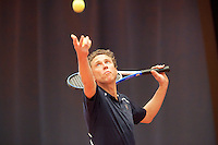 19-3-09, Belgium, Kalmthout, Kristie Boogert geeft tennisles aan Michael Boogerd