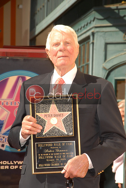 Peter Graves<br /> at the Hollywood Walk of Fame induction ceremony for Peter Graves, Hollywood, CA. 10-30-09<br /> David Edwards/Dailyceleb.com 818-249-4998