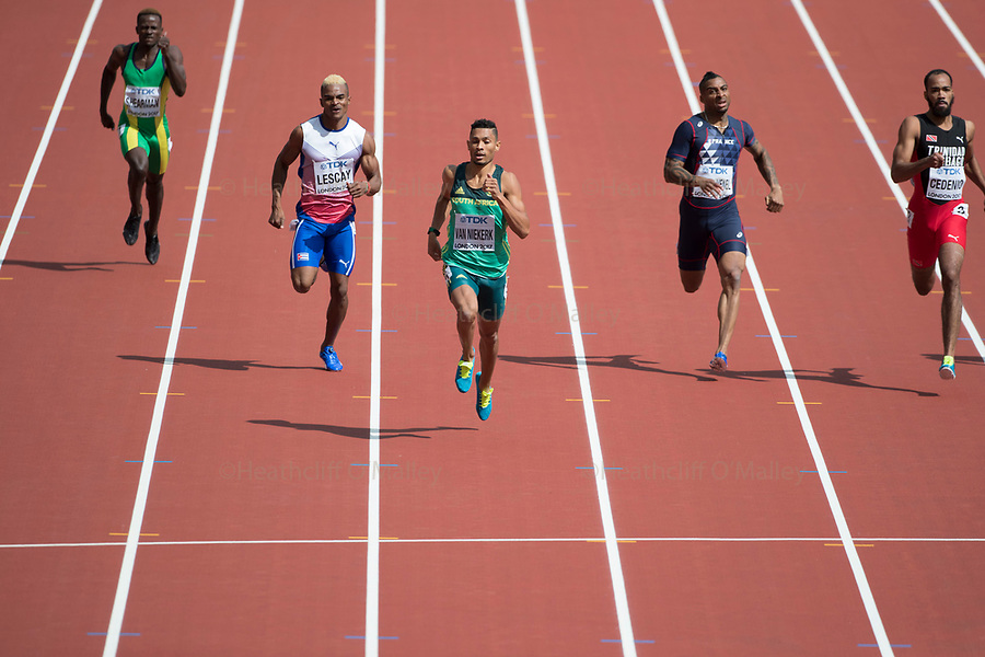 Mcc0078114 . Daily Telegraph<br /> <br /> DT Sport<br /> <br /> Wayde van Niekerk in the Men's 400m heats <br /> <br /> Day 1 of the IAAF World Championships at the London Stadium in Stratford .<br /> <br /> 4 August 2017