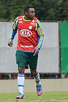 SAO PAULO, 31 DE JULHO DE 2012 - TREINO PALMEIRAS - O jogador Obina durante treino do Palmeiras na tarde desta terca feira, no ct do clube, na barra funda, regiao oeste da capital. FOTO: ALEXANDRE MOREIRA - BRAZIL PHOTO PRESS