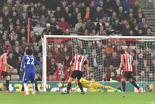 29.11.2014.  Sunderland, England. Premier League. Sunderland versus Chelsea.  A shot from Willian of Chelsea narrowly misses the target