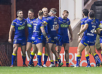 Picture by Allan McKenzie/SWpix.com - 09/03/2018 - Rugby League - Betfred Super League - Warrington Wolves v St Helens - Halliwell Jones Stadium, Warrington, England - Warrington celebrate Toby King's try against St Helens.