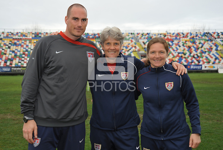 US Coaches post for a group photo after the US win over Norway, 2-1, in the Algarve Cup '10 game in Olhao, Portugal. L to R - Paul Rogers, Pia Sundhage, Hege Riise.
