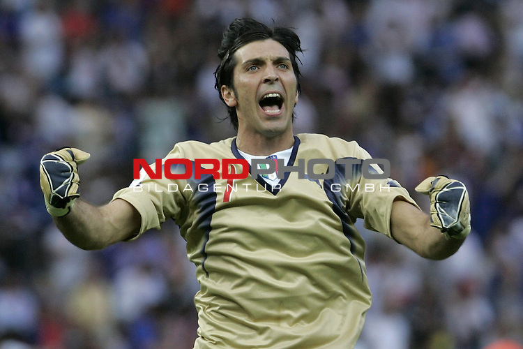 FIFA WM 2006 - Final / Finale<br /> <br /> Play #64 (09-Jul) - Italy vs France.<br /> <br /> Jubel 1:1 Keeper BUFFON Gianluigi (GK)<br /> <br /> <br /> Feature<br /> <br /> <br /> Foto &copy; nordphoto