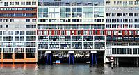 Nederland Amsterdam 2020. Het IJ. Appartementencomplex de Silodam. Het gebouw is een ontwerp van MVRDV architecten.  Foto ANP / Hollandse Hoogte / Berlinda van Dam
