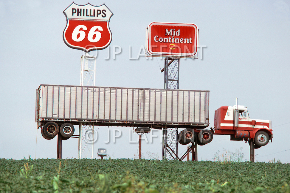 Kansas City, 1978. On 29 North at 36 miles Market. Faucett, Truck Stop. It is a very well known and popular stop.