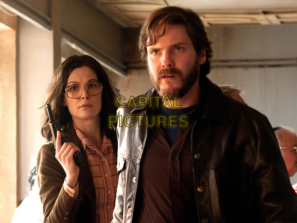 7 Days in Entebbe (2018) <br /> Daniel Bruhl &amp; Rosamond Pike<br /> *Filmstill - Editorial Use Only*<br /> CAP/MFS<br /> Image supplied by Capital Pictures